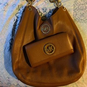 Purse and wallet
